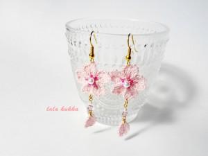 桜、ひらりピアス